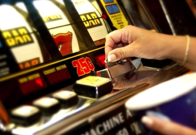 Australian Gambling Experts' Report Calls for Dangerous Pokies Feature Ban