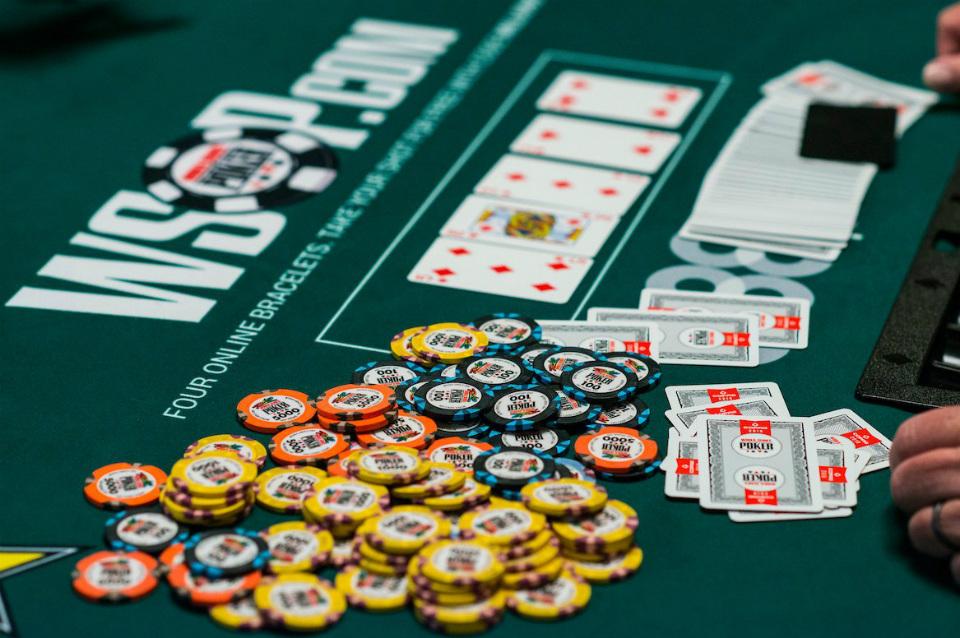 "Nathan ""surfbum"" Gamble emerge vittorioso dall'evento 2020 WSOP Online PLO8 6-Max con $89,424"