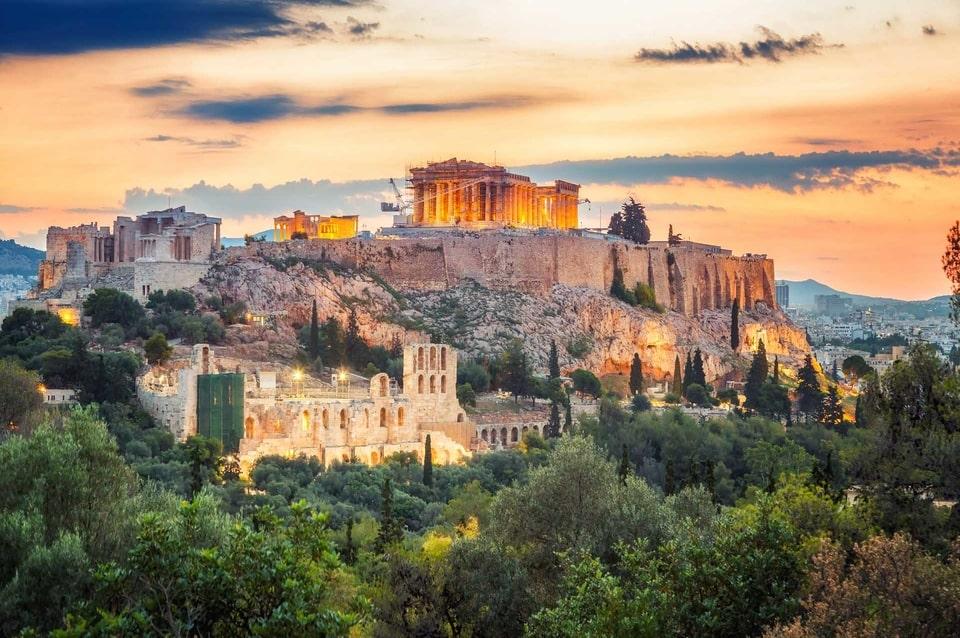 La costruzione dei primi grattacieli ad Atene che ospiteranno l'Hellinikon Casino Resort sta per iniziare nonostante le critiche