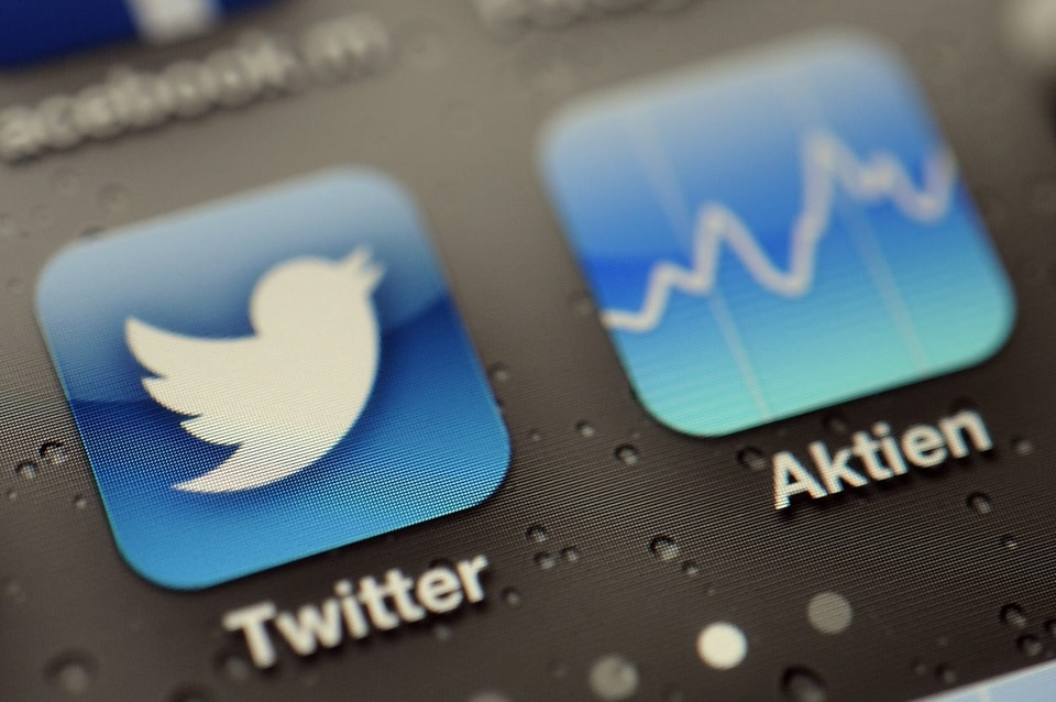 New Research Finds Esports-Related Ads on Twitter May Be Turning Young People into Gamblers