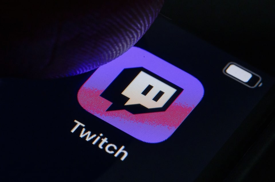 """Twitch Streamer """"xQc"""" Says He Does Not Care about Recent Criticism of His Gambling Streams"""